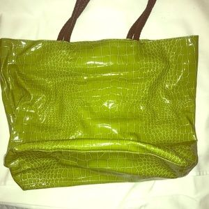 Green tote for shopping in a fun color